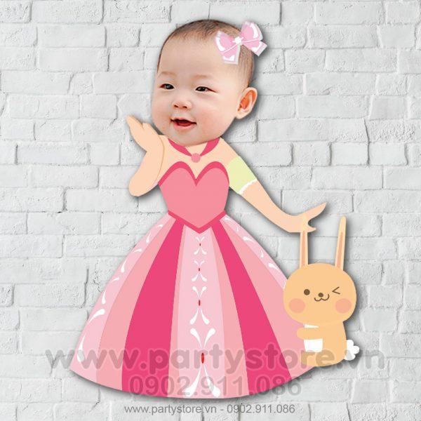 Chibi cho bé gái công chúa và bạn thỏ