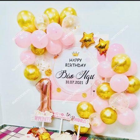 Trang trí sinh nhật cho bé gái chủ đề hồng hạc & bóng vàng gold